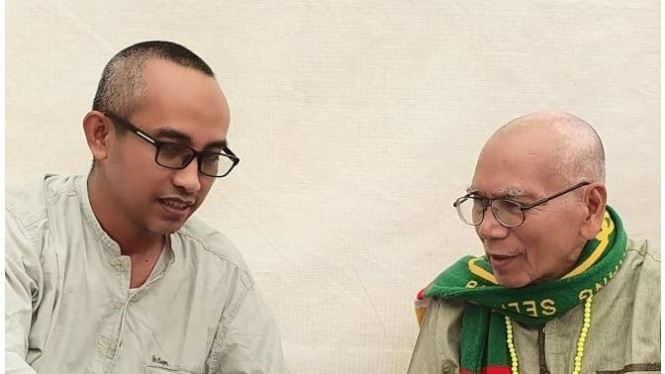 Bermain Kuis dengan Ungku Buchori di Arafah.