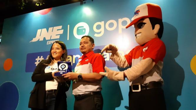 Gopay bekerja sama dengan JNE
