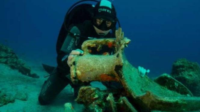 Penyelaman di dekat Pulau Levitha, Yunani