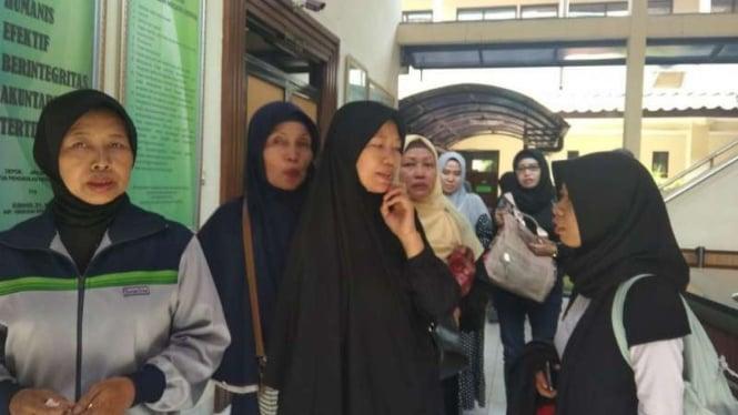 Korban First Travel di PN Depok, Jawa Barat.