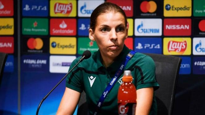 Wasit wanita, Stephanie Frappart, pimpin laga Piala Super Eropa