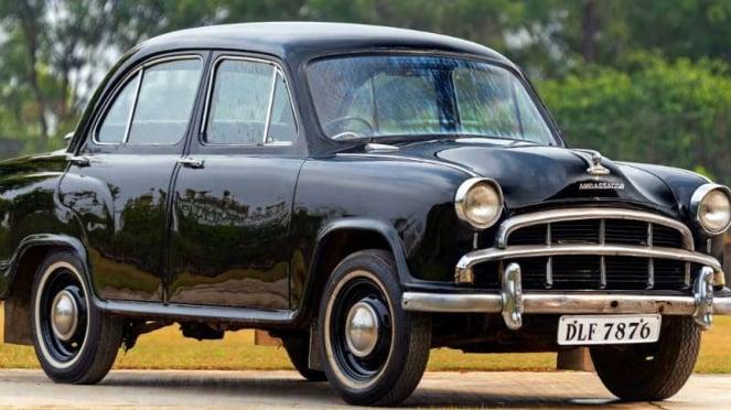 Mobil Ambassador buatan India