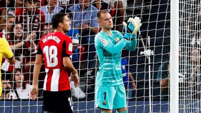 Kiper Barcelona, Marc-Andre Ter Stegen saat menghadapi Athletic Bilbao.