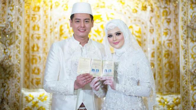 Pernikahan Roger Danuarta dan Cut Meyriska di Medan, Sumatera Utara.