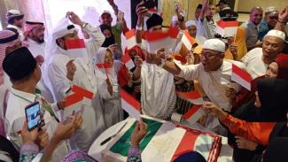 Kemeriahan jemaah haji di Mekah merayakan HUT Ri-74