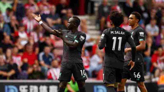 Pemain Liverpool, Sadio Mane merayakan gol.