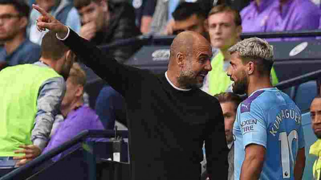 Manajer Manchester City, Pep Guardiola adu mulut dengan Sergio Aguero.