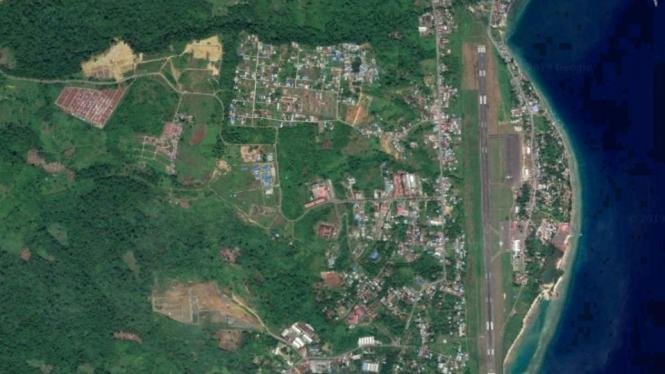 Manokwari dari citra satelit
