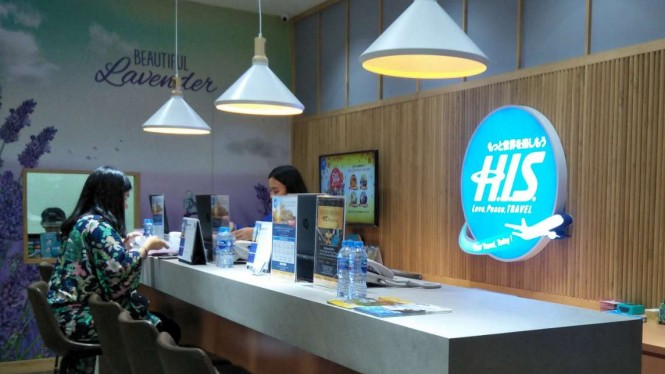 H.I.S Travel Premium di Plaza Indonesia.