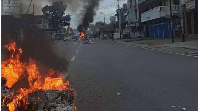 Papua memanas, warga turun ke jalan.