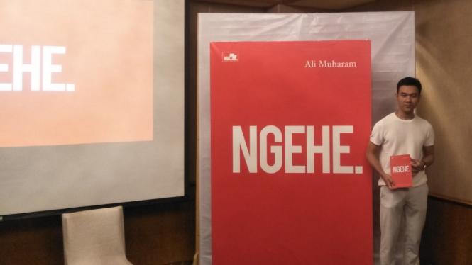 Ali Muharam, juragan Makaroni Ngehe rilis buku berjudul NGEHE.