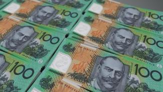 Membatasi transaksi tunai diharapkan bisa mengurangi praktik ekonomi hitam di Australia.