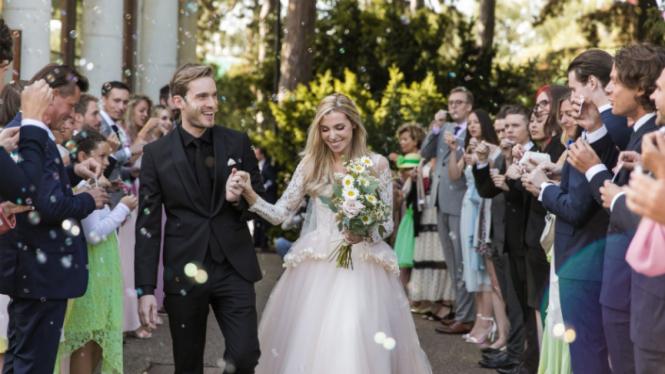 Felix Kjellberg alias PewDiePie baru saja menikahi sang kekasih, Marzia Bisognin di London, Inggris.