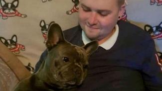 Stuart dan anjingnya.