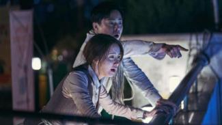 Film EXIT yang sedang booming di Korea Selatan ini sudah tayang di bioskop Indonesia mulai 21 Agustus 2019.