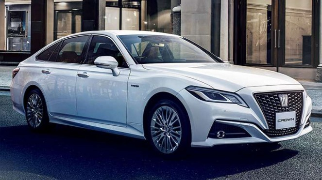Toyota Crown terbaru