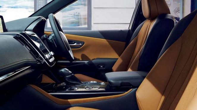 Interior Toyota Crown baru