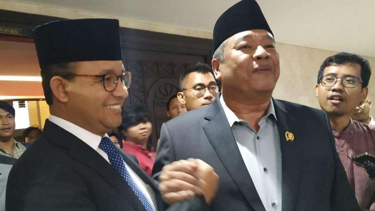 Gubernur DKI Anies Baswedan (kiri) dan politikus Nasdem Bestari Barus.