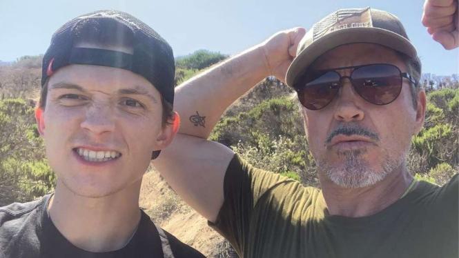 Tom Holland dan Robert Downey Jr