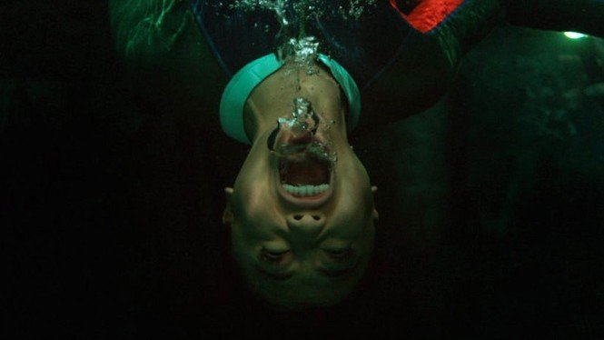 Salah satu cuplikan di film 47 Meters Down: Uncaged