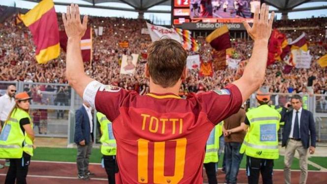 Francesco Totti saat masih memebela AS Roma