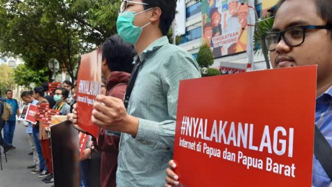 Demonstrasi Nyalakan Lagi internet Papua