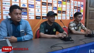 https://thumb.viva.co.id/media/frontend/thumbs3/2019/08/25/5d61e5c8f160a-tira-persikabo-enggan-remehkan-persela_325_183.jpg