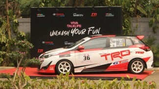 Toyota All New Yaris TRD Sportivo milik pembalap TTI Demas Agil yang dipajang di acara VIVA Talklife Minggu 25/8.