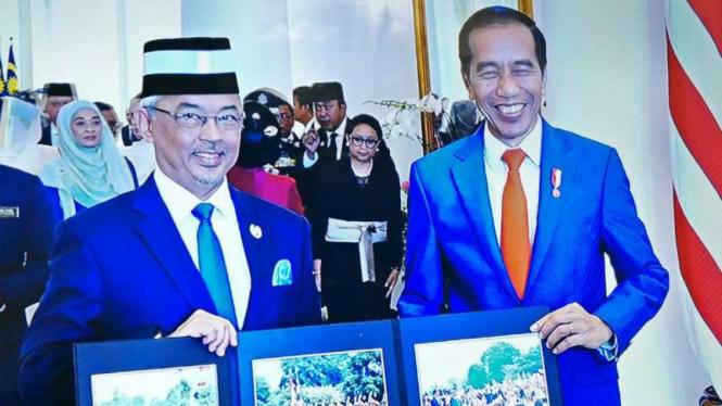 Raja Malaysia, Al-Sultan Abdullah Ri'ayatauddin, saat bersama Presiden Jokowi.