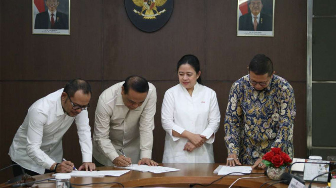 Para Menteri tandatangani kesepakatan hari libur nasional dan cuti bersama 2020.