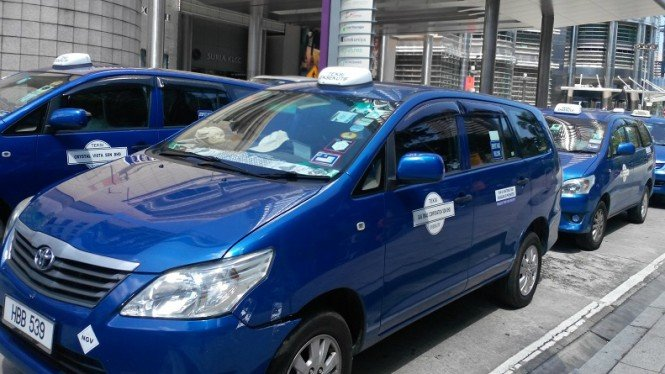 Nih Penampakan Armada Big Blue Taxi Malaysia