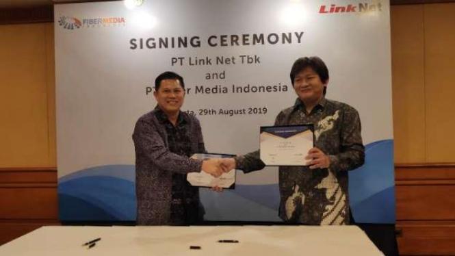 PT Link Net Tbk menandatangani kerja sama dengan PT Fiber Media Indonesia