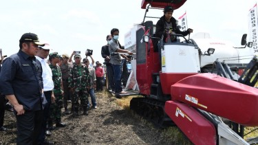Mesin Pertanian Excavator.