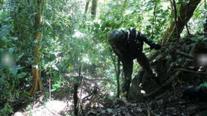 Prajurit TNI Komando Taktis Satgas Pamtas RI-PNG dari Batalyon Infanteri 713