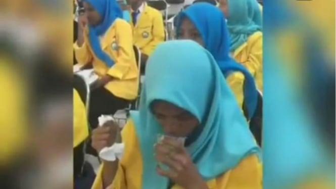 Mahasiswa baru Universitas Khairun, Ternate