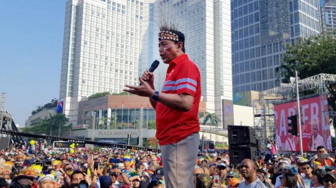 Menko Polhukam Wiranto saat acara Car Free Day masyarakat Papua
