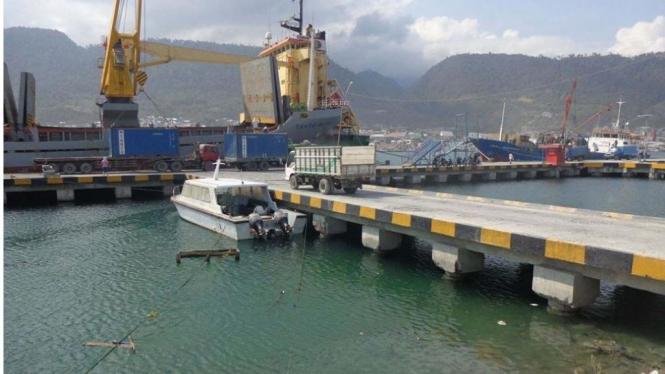 Dermaga Pelabuhan