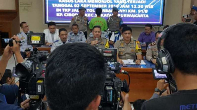 Polda Jabar tetapkan dua tersangka dalam kasus kecelakaan di Tol Cipularang.