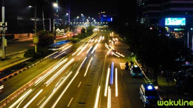 Jakarta di malam hari = Spot Instagramable