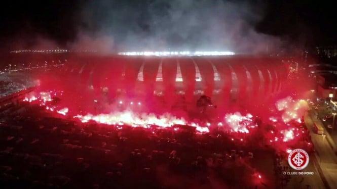 Flare di pertandingan bola di Brasil.