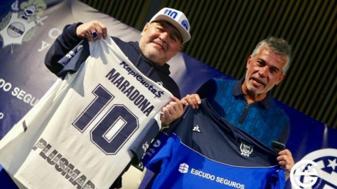 Pelatih Gimnasia La Plata, Diego Maradona