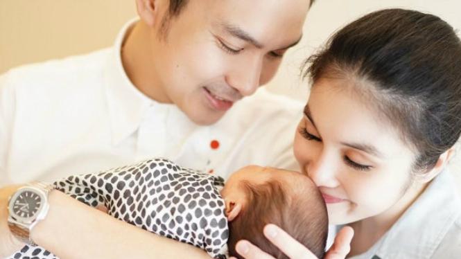 Sandra Dewi melahirkan anak kedua