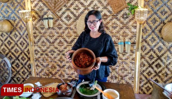 https://thumb.viva.co.id/media/frontend/thumbs3/2019/09/10/5d76c2056c93f-blendi-tewel-kuliner-lokal-pasar-internasional_663_382.jpg