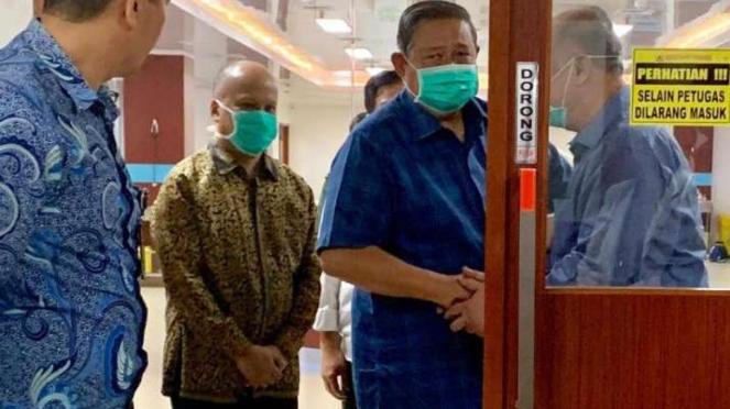 SBY jenguk Habibie di RSPAD Gatot Soebroto, Jakarta, Selasa, 10 September 2019.
