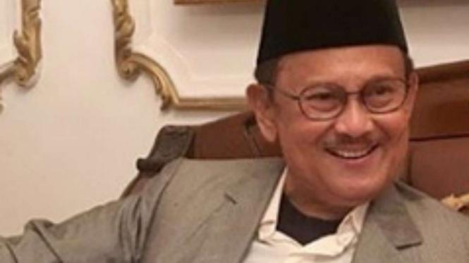 BJ Habibie presiden ke-3 Indonesia.