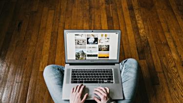 https://thumb.viva.co.id/media/frontend/thumbs3/2019/09/10/5d77af1312c4b-catat-ini-syarat-penting-bisa-raih-keuntungan-lewat-bisnis-online_375_211.jpg