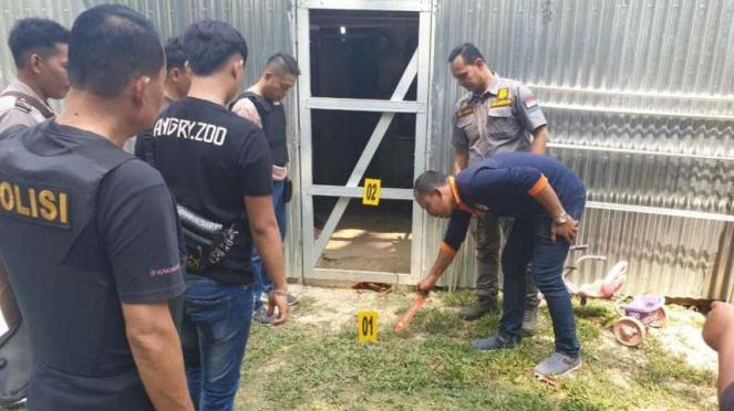 Polisi lakukan olah TKP di Desa Cinta Damai, Musi Banyuasin, Sumsel.