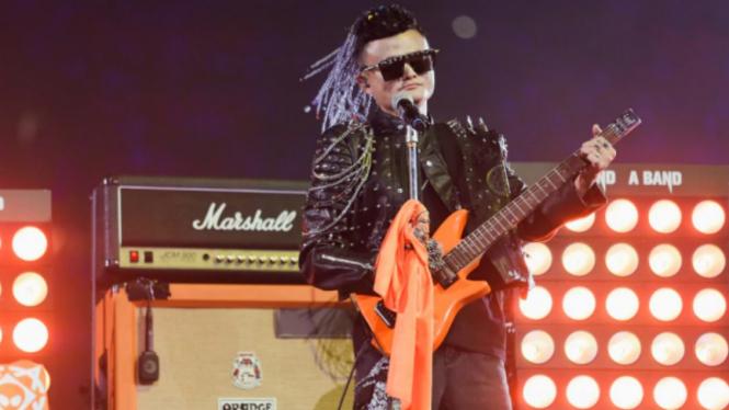 Jack Ma tampil layaknya bintang rock di acara perpisahan dengan Alibaba