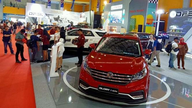 Jajaran mobil baru tampil di pameran otomotif GIIAS Makassar 2019