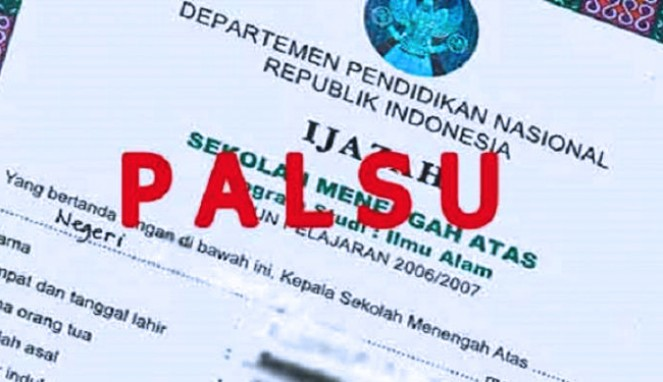 https://thumb.viva.co.id/media/frontend/thumbs3/2019/09/11/5d78f4862c385-kasus-ijazah-palsu-polisi-periksa-ketua-dpc-gerindra_663_382.jpg